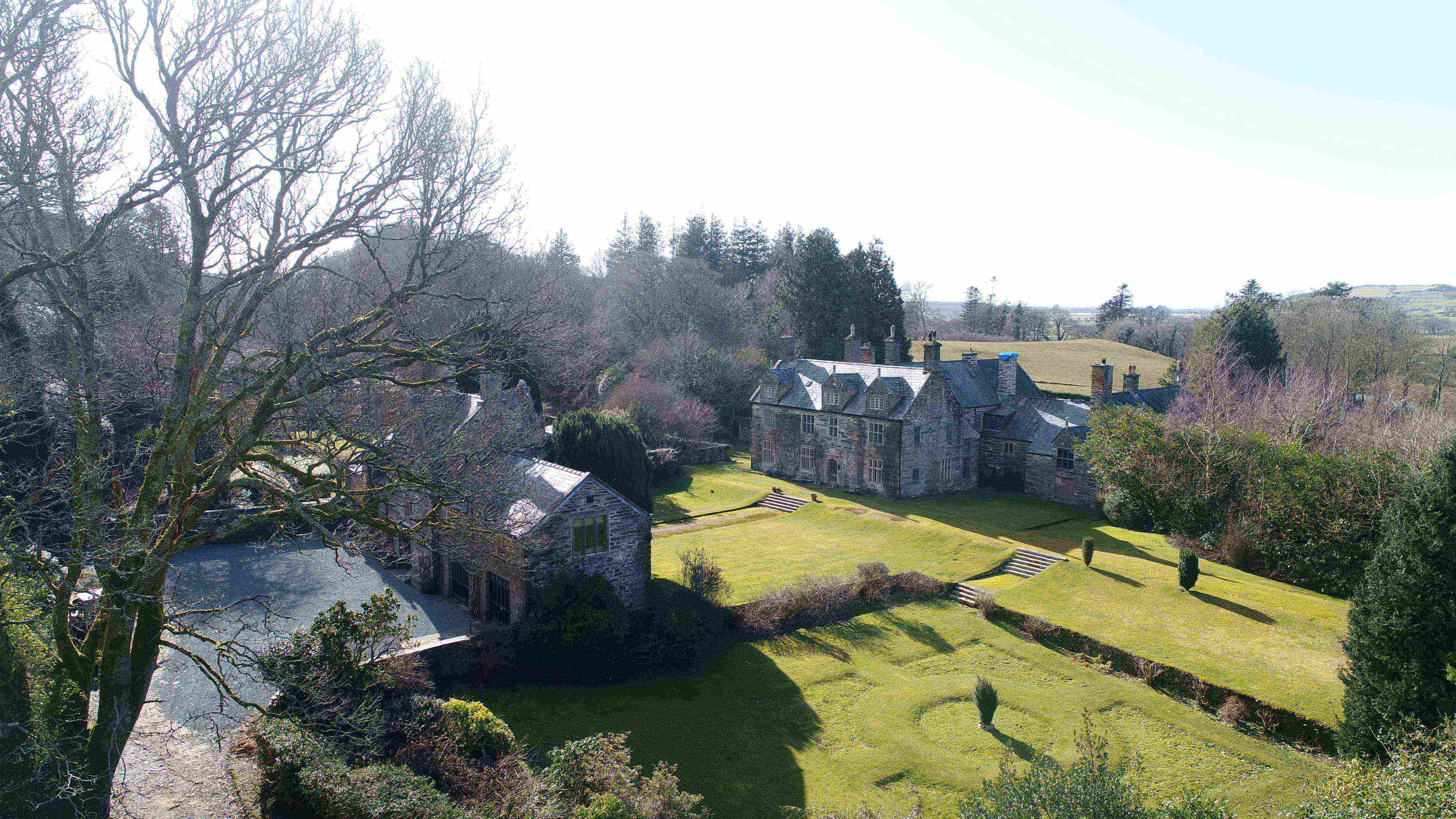 Renewables to heat Grade 2* Listed Country Estate